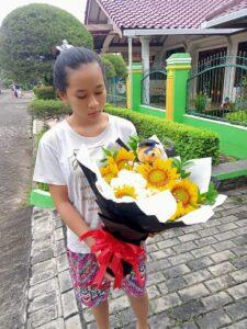 karangan bunga wisuda
